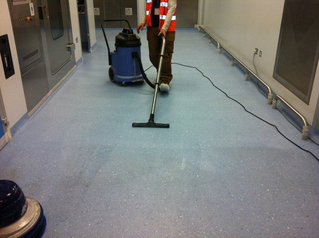 Vinyl floor cleaner stripping sealing worthing west for Floor cleaning services
